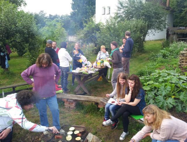Setkání u ohně na farní zahradě (11.7.2014)
